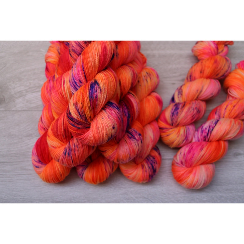 High Twist Merino Pure - Fluromingo